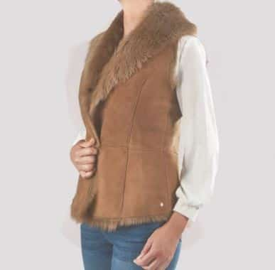 What to wear to the Races - Elizabeth Gilet in Tan